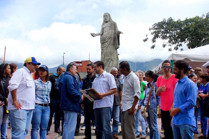 Recuperamos la Plaza El Cristo de Petare! Paso a paso recuperamos espacios claves para rehabilitar la Redoma de Petare, como lo prometimos!