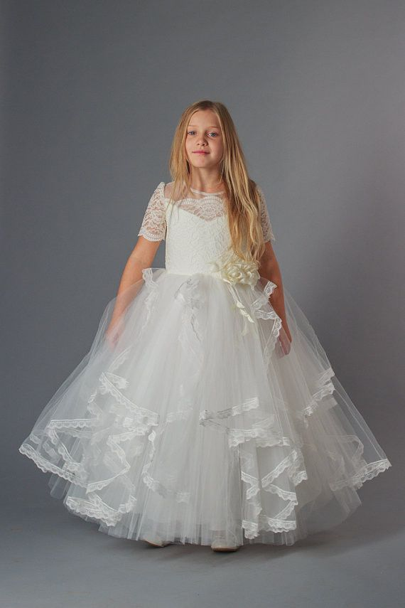 """Kids dresses online """"Lady"""" – Three Snails Elegant kids wear dress decorated with a nice lace pattern and gorgeous flower is suitable for parties, celebrations and other special events"""