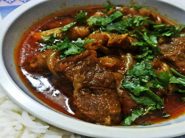 Mutton Rara is a very unique mutton recipe as it combines the mutton pieces along with the mutton keema or Gosht mince in it.