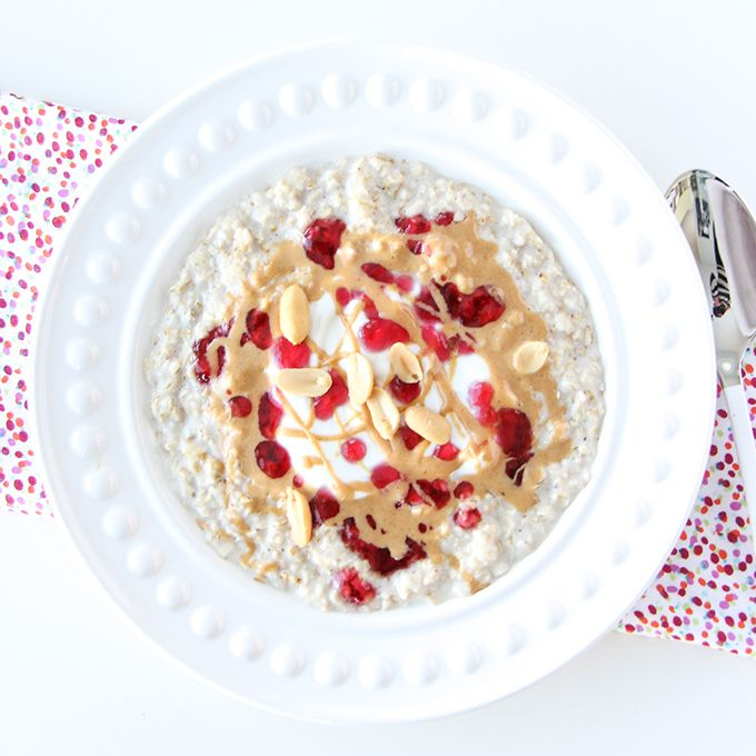 5 Minute Peanut Butter and Jelly Oatmeal (scheduled via http://www.tailwindapp.com?utm_source=pinterest&utm_medium=twpin&utm_content=post136092047&utm_campaign=scheduler_attribution)