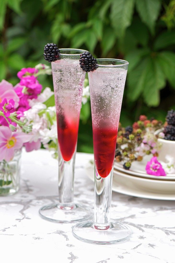 best 25 cocktails mit sekt ideas that you will like on pinterest party bowle hugo getr nk. Black Bedroom Furniture Sets. Home Design Ideas