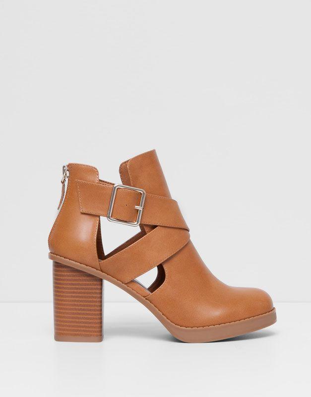 Pull&Bear - zapatos - tacones y cuñas - botín tacón calado - cuero - 11255011-V2015