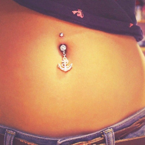 i would get a piercing just to have this...Anchor belly button ring