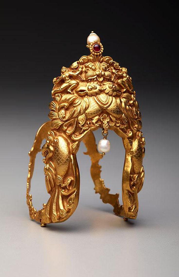 India   Arm band; gold, pearls and ruby   19th century