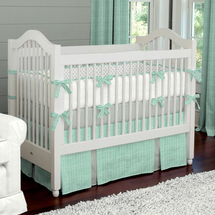 Two of our fave things right now: Mint + Herringbone in this adorable crib bedding from @carouseldesigns! #nursery