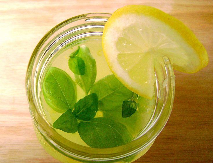 Limonada com Manjericão - Especiarias e ervas não servem apenas para dar sabor às receitas. Com criatividade, esses ingredientes começam a ganhar outros espaços, como no copo.
