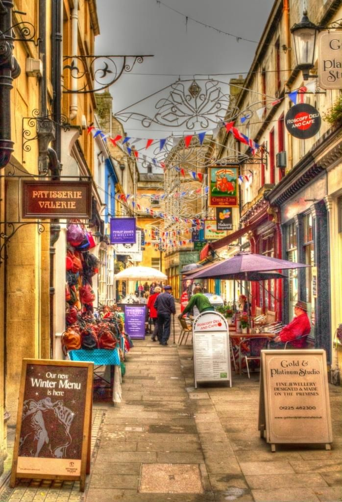 Narrow Street in Bath.Bath is a city in the ceremonial county of Somerset in South West England. It is situated 97 miles west of London and 13 miles south-east of Bristol. At the 2001 census, the population of the city was 83,992. Wikipedia