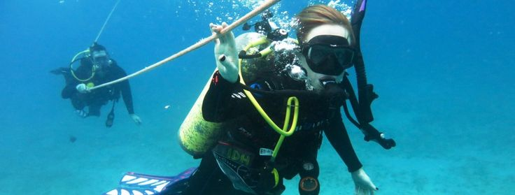 Island Divers Hawaii, a 5 Star PADI Instructor Development Center, offers padi scuba diving courses that ranges from introduction to diving to Master Scuba Diver.