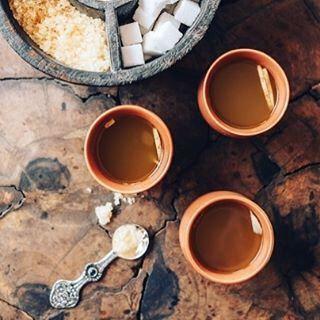 Ginger-lemon tea - the best thing to avoid the AMS symptoms. •  Имбирно-лимонный чай – лучшее средство от высотной болезни.  #чай #имбирныйчай #tea #ginger #gingertea #gingerlemon #gingerlemontea #ams #medicine #india #mountain #leh #manali #travelindia #