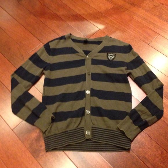 Zara striped sweater Kids size, but bought for an adult. Would fit adult size xs-s Zara Sweaters Cardigans
