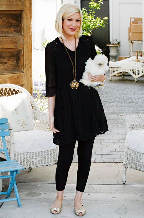 """Tori Spelling: I Dress My Pet Chicken in Vintage Outfits - Us WeeklyA silkie bantam chicken, Coco has quite the wardrobe thanks to Spelling and her crafting skills. """"I make her outfits to mimic my vintage dresses. She also has little caplets!"""" says Beverly Hills, 90210 alum Spelling. """"I turn vintage brooches into fascinators for her. Right now I'm knitting her a chicken poncho for those cool summer nights.""""  I HAVE'NT STOPPED LAUGHING!!!!!!!!"""