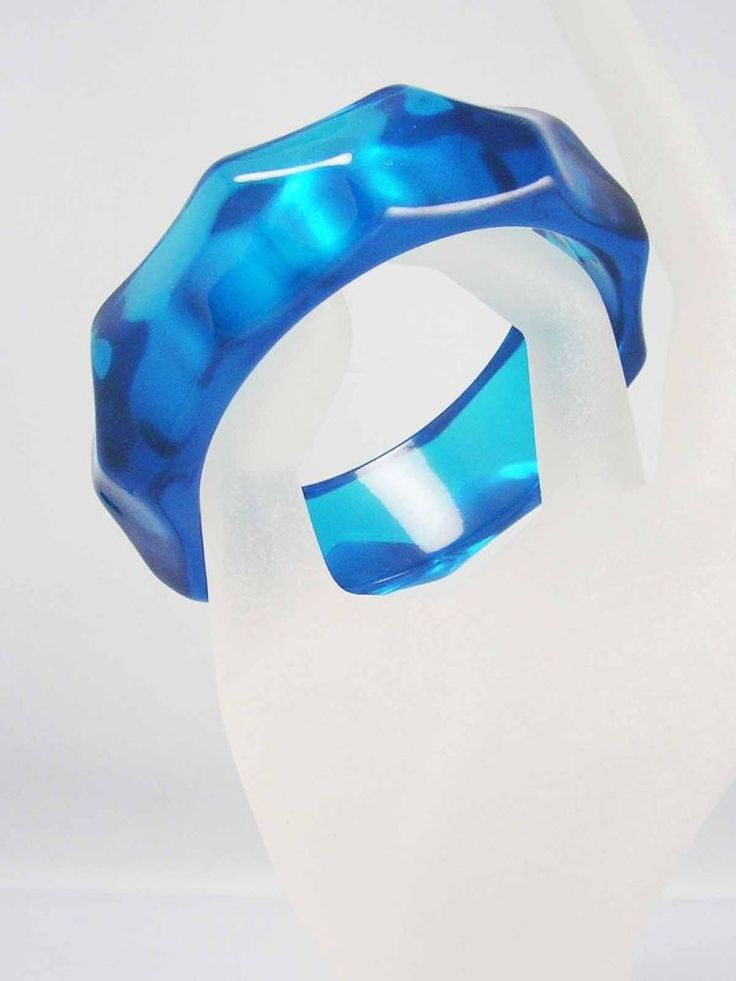 RARE Vintage 1950s RETRO Translucent Blue Water Wave Lucite Bangle Bracelet WIDE