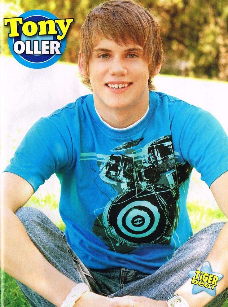 Tony Oller (Tiger Beat)
