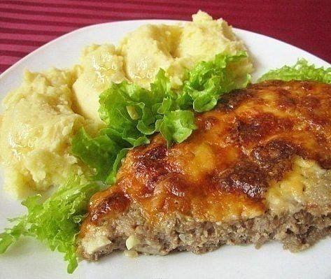 Приготовьте наивкуснейшую запеканку – порадуйте домашних прекрасным блюдом!Ингредиенты:- 300 гр фарша говядины или свинины- 3 ст. ложки сметаны- 1 ст. ложку сливочного масла- 100 гр твердого сыраПриг…