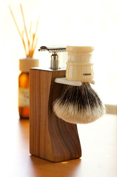 I use brushes I have never ever even once used gel or compressed shaving foam on my face. #mens #shavingbrush #sexy