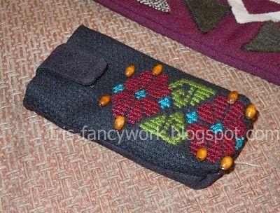 My Fancywork Blog: Сумочка-чехол для мобильного телефона с вышивкой к...