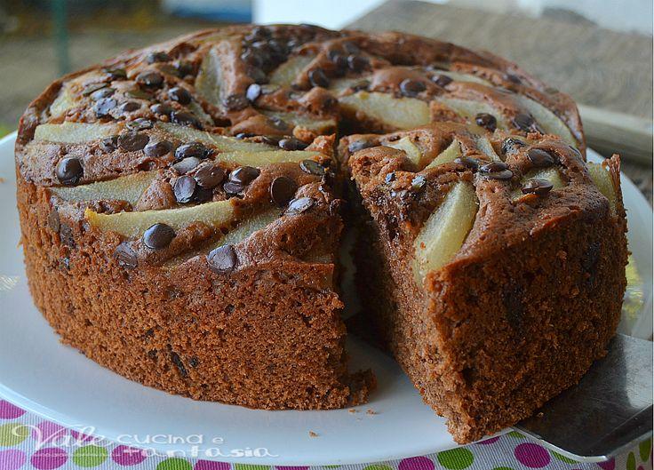 Torta al cioccolato fondente con ricotta e pere ,soffice golosa si scioglie in bocca, con tanto cioccolato fondente e ricotta nell'impasto e pere