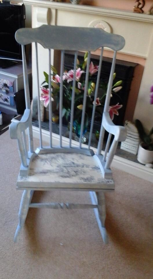 Beautiful hand-painted with chalk paint and Decoupaged
