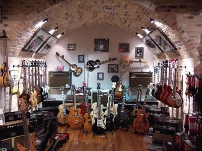 Redbone Guitar Boutique, San Antonio.  The best little old guitar shop in Texas.  Or the world.