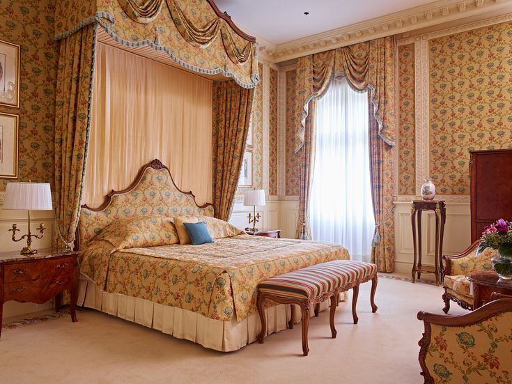 Grand Hotel Wien - Presidential Suite    #luxpitality #grandhotelwien #hotelroom #suite #presidentialsuite #vienna #venue #hotel #austria #europe #meeting #event #wedding #conference #group #incentivetravel #luxury
