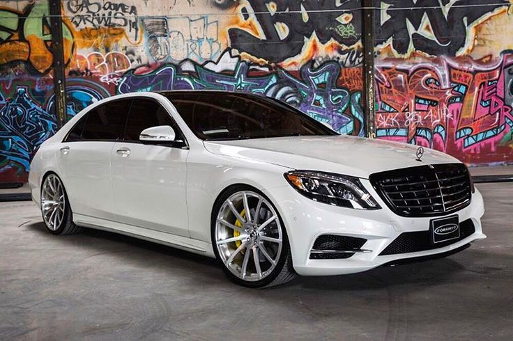 Clean @mercedesbenz S-550 on @forgiato Wheels. #mercedes #s550 #l #stance #forgiato #titanio #22 DUBMAGAZINE.COM