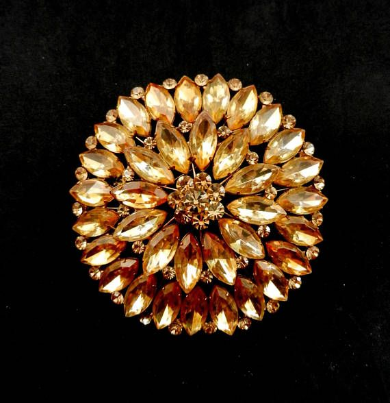 Enchanting jonquil palette color Large brooch with Marquise