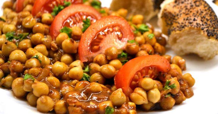Mennyei Fűszeres indiai csicseriborsó recept! Hűvös estékre tökéletes választás akár köretnek, akár könnyű vacsorának egy kis friss baguettel.