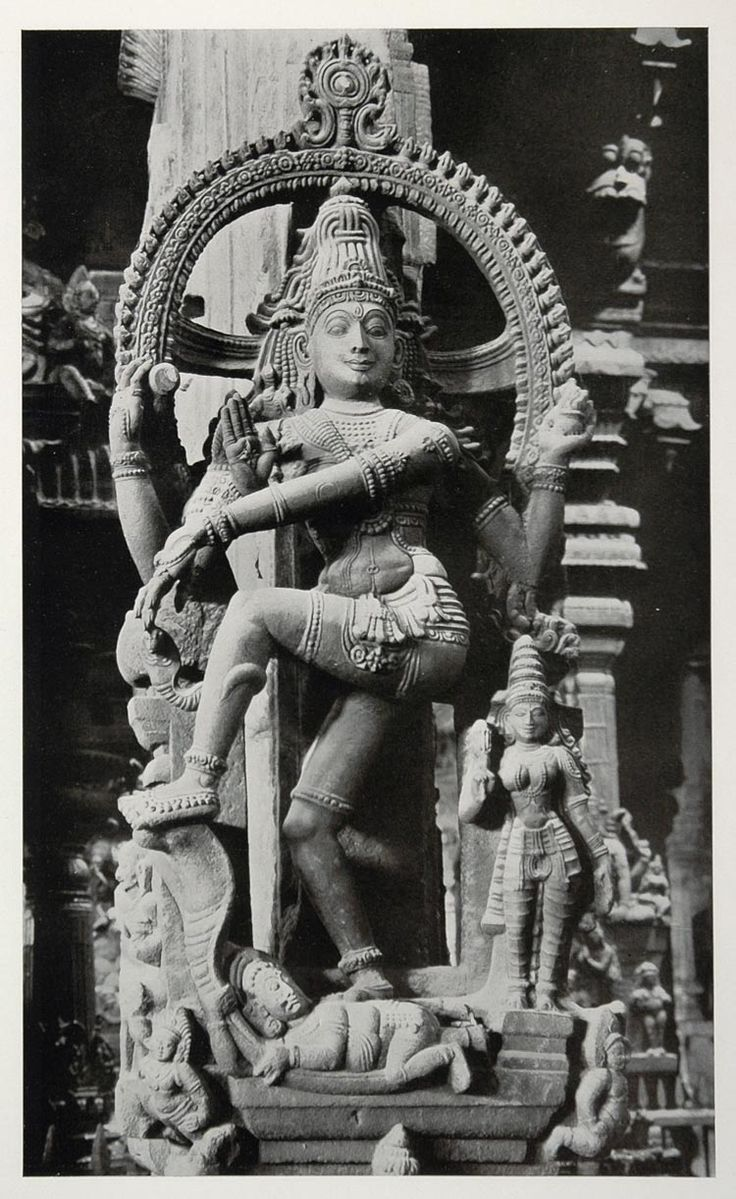 Shiva Nataraja, within the Great Temple of Madurai; a photogravure by Alfred Nawrath, 1938