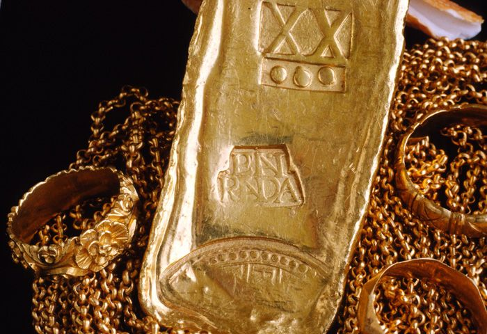 Caption 3- A Colombian gold bar of 20.75 kt struck at the Peña-Randa foundry 1621-22. Recovered from the Florida Keys wreck site of Nuestra Señora de Atocha - 1622.