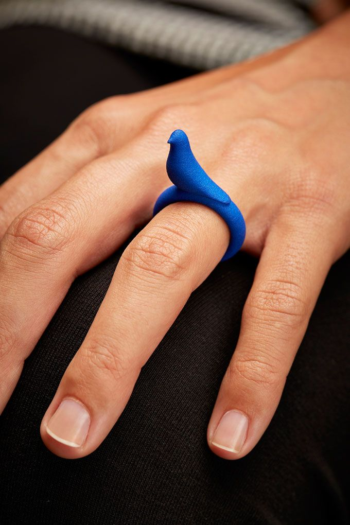 One In A Million Bird 3D printed rings Like 3D printed #jewelry? Morpheus custom makes jewelry from images using 3d printing technology http://www.morphe.us.com/