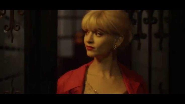 """Nina est le clip officiel du groupe Cobalt, Nina est dédicacé à Marie-Pierre Pruvot, dite """"Bambi"""": https://fr.wikipedia.org/wiki/Bambi_(danseuse) Cobalt: Lol..."""