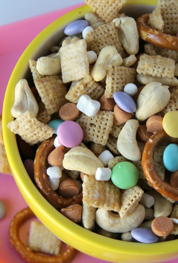 195 best easter giftstreats images on pinterest backen an utterly addictive snack mix thats sweet salty and oh so easy to make negle Choice Image