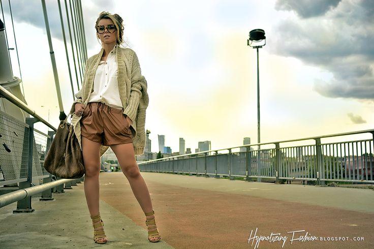 Hypnotizing Fashion - BLOG MODOWY | Stylizacje street style: Nude me! - stylizacja skórzane szorty i sandały na obcasie