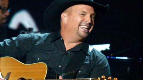 Garth brooks Songs - Garth Brooks - The River (VIDEO) | Country Music Videos and Lyrics by Country Rebel http://countryrebel.com/blogs/videos/17249511-garth-brooks-the-river-video