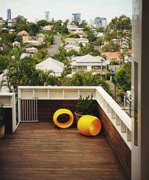 Owen + Vokes + Peters. Brisbane Architects. Decking and balustrade.