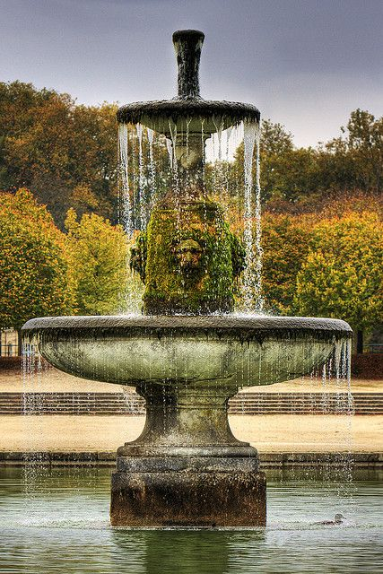 1000  images about wishing well  fountain and water pump on pinterest