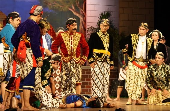Ketoprak - a popular Javanese folk theater