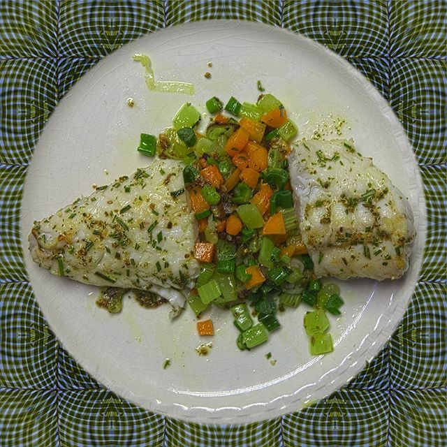 #friday is #fish and #some #veggies - #easy  #quickly done and #tasty;  #food #healthy #stilllife #foodie #foodporn #soulfood #lifestyle #cooking #eeeeeats #feedfeed #slowfood #nomnom #privatechef #vegetarian #veg #mindfulness #hipandhealthy