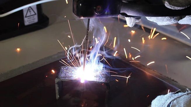 How to Make an AC Arc Welder Using Parts from an Old Microwave, Part 2 « Hacks, Mods & Circuitry