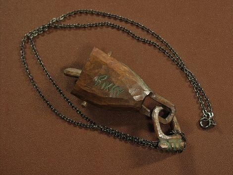 砂澤ビッキ 木彫作品 「木鈴 ペンダント」 アイヌ彫刻 小品ですが優品です_裏面に BIKKY の刻印