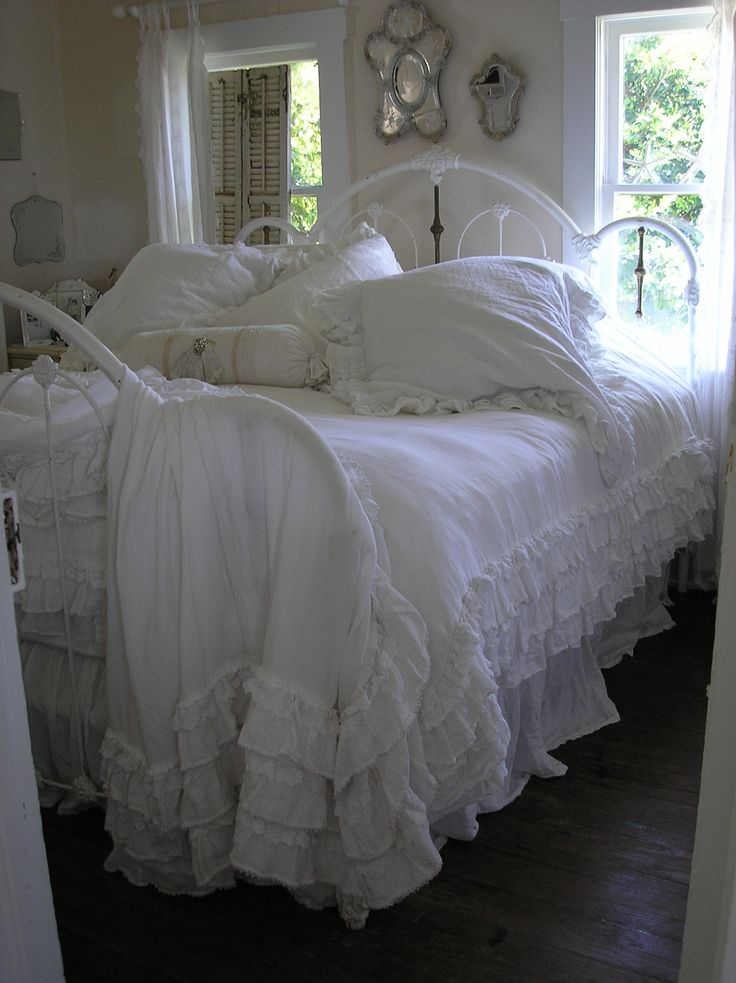 25 best ideas about shabby chic beds on pinterest. Black Bedroom Furniture Sets. Home Design Ideas