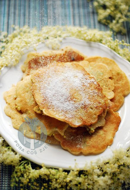 Pancakes with elderberry flowers / Placki z kwiatów czarnego bzu