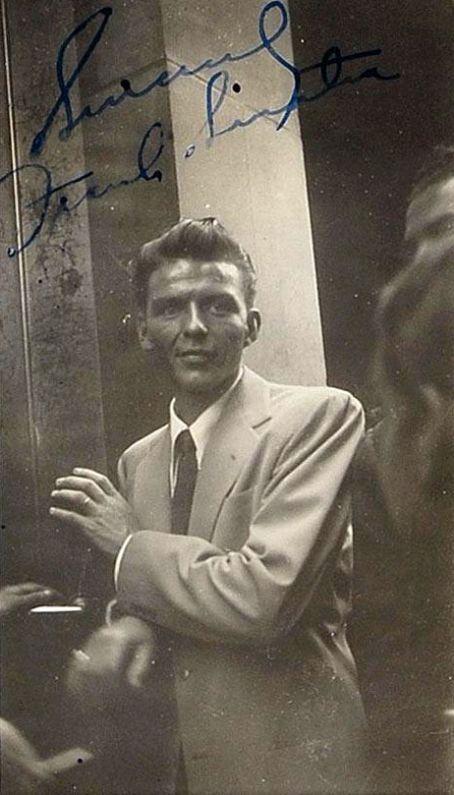 Frank Sinatra, great photo!                                                                                                                                                                                 More