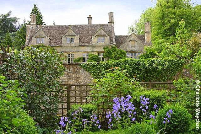 There are some gardens that you have to see, and Barnsley House - former home of Rosemary Verey - is one of them. The property now operates as an exclusive hotel, where the gardens are maintained primarily for guests, but there are a series of open days on the horizon, and if you can find the time to visit you should, because it's an iconic garden, and you'll soon see why this grand dame of English horticulture so appealed to aspiring gardeners in Britain in the last part of the 20th…