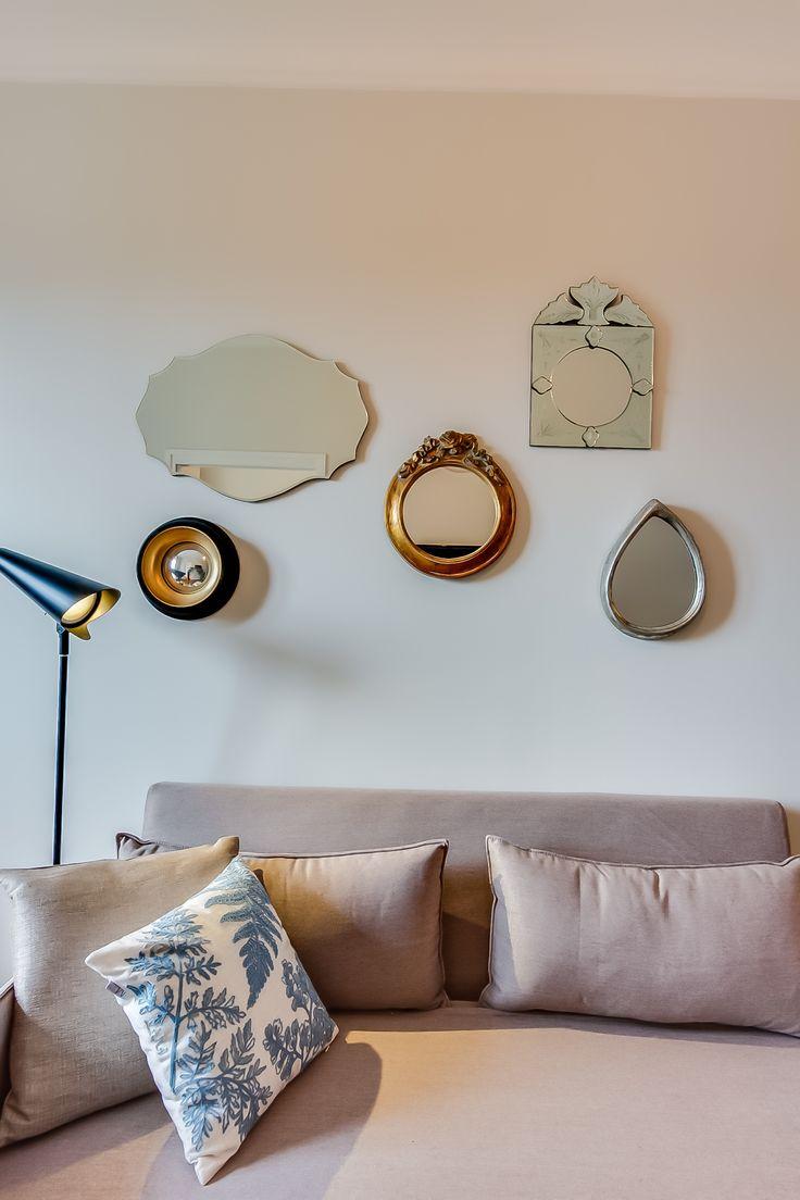 Furniture wish list des petits miroirs au dessus du lit for Miroir au dessus du lit