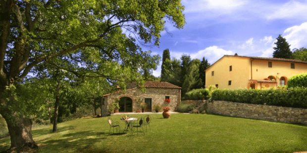 Poggio al Sole is a authentic family-run farm holiday with comfortable rooms located in the hills surrounding Florence,  Tuscany, Italy