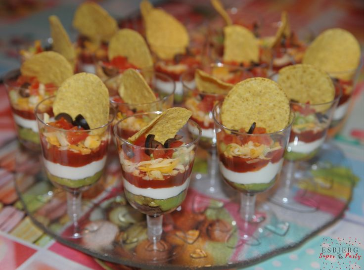 7 layer dip appetizer. #esbjergsuperparty