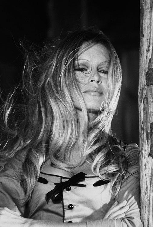 Brigitte Bardot , 1971, Espagne - Les Petroleuses - Terry O'Neill