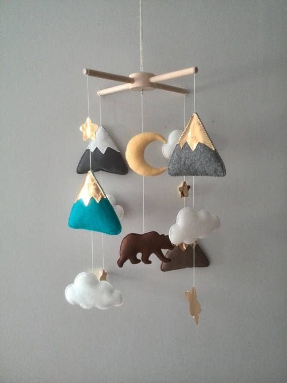♥ Baby mobile Bear Mountain mobile Golden peaks Woodland Mountain MADE TO ORDER ♥ This magnificent mobile consists of mountains, stars, moon, clouds and a bear. The mountain peaks are covered on one side with white snow, and on the other hand with gold in combination with the stars.