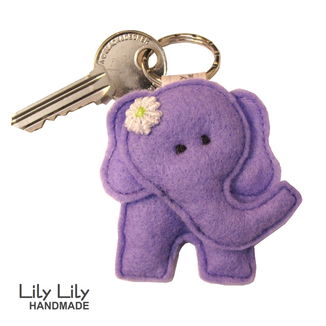 Elephant Keyring - Lilac £6.00 is helemaal niet moeilijk om te maken en als olifanten fanaat wil ik er wel een.
